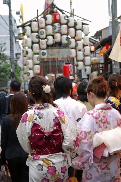 浴衣で祇園祭