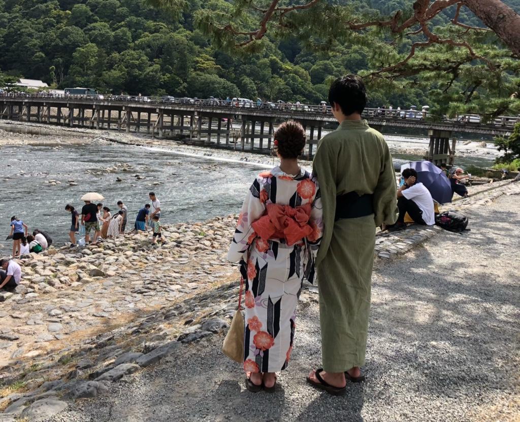 カップル渡月橋 (4)