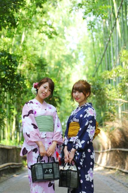 嵐山の竹林と浴衣