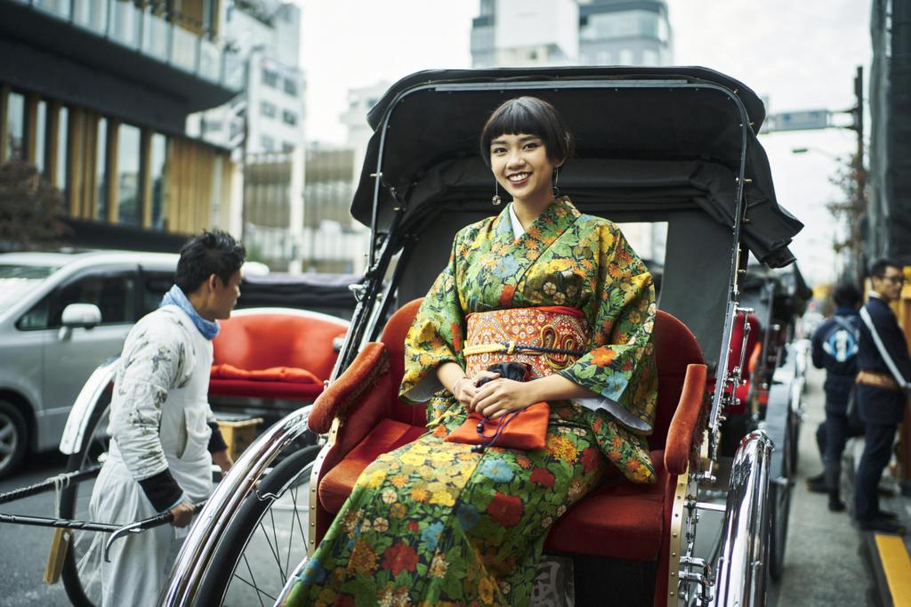 人力車に着物でのる女性