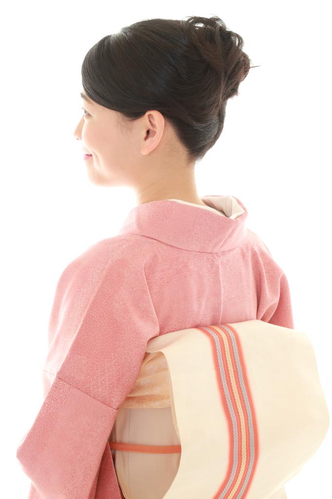 シンプル着物に似合う清楚な髪形